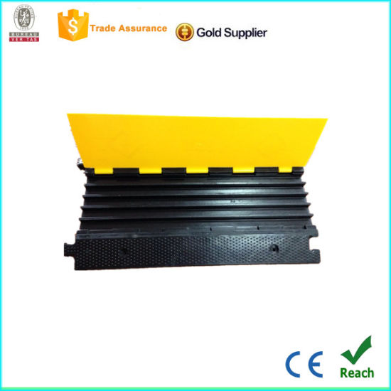 CE Manufacturer Channel Cable Protector pictures & photos