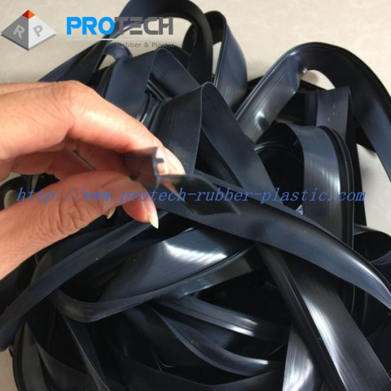High Temperature Resistance Silicone Extruded Gaskets pictures & photos