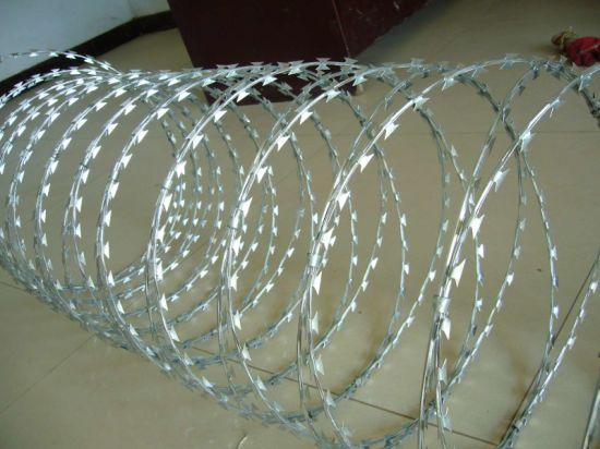 Bto-22 Hot DIP Galvanized Razor Barbed Wire for Security Fence / Concertina Razor Barbed Wire