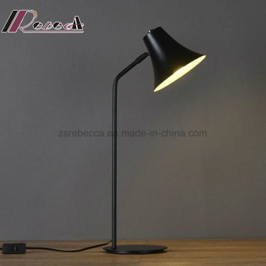 Nordic Style of Retro Iron LED Table Lamp for Bedroom pictures & photos