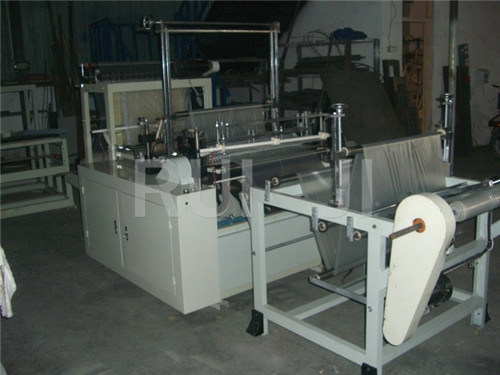 Automatic Plastic Suit Cover Bag Making Machine on Roll