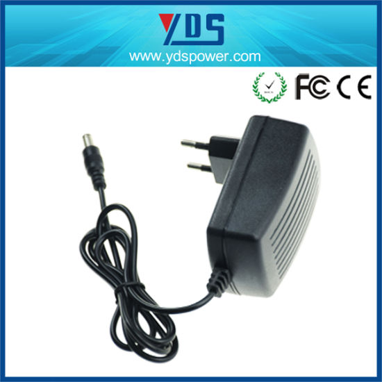 24V 1A EU Wall Plug Adapter pictures & photos