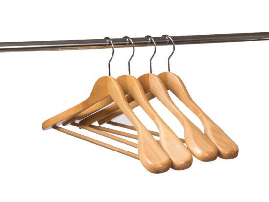 Customized Natural Wide Shoulder Wood Coat Hangers for Shops Brands