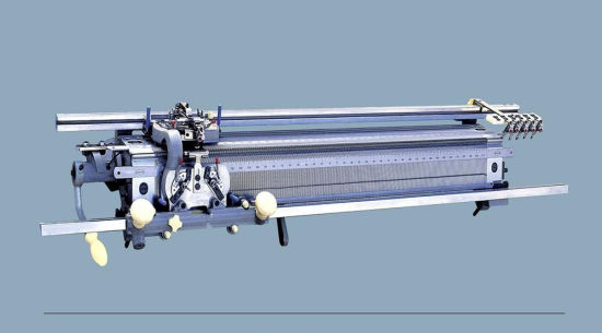 Hand Driven Flat Knitting Machine pictures & photos