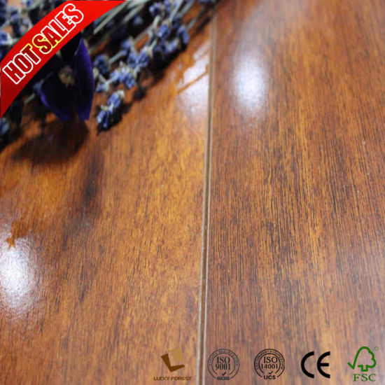 China Easy Install Euro Click Laminate Flooring Medium Embossed 8mm