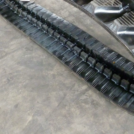 Caterpillar 301.8c Rubber Track with Durable Quality (230X48X70) pictures & photos