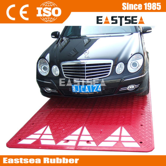 Black Red Road Speed Hump Rubber Speed Cushion (DH-SP-4) pictures & photos