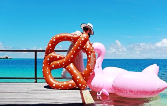 Giant Pretzel Circle Bread Swim Fun Inflatable Pool Floating Seat pictures & photos