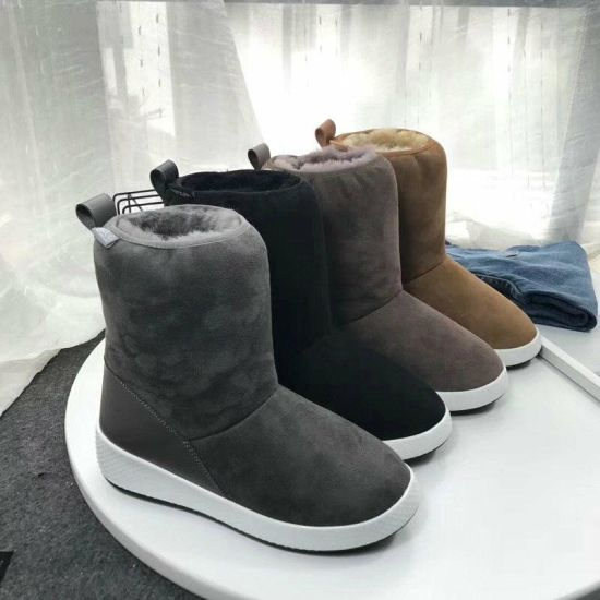 Snow Boots for Men and Women pictures & photos