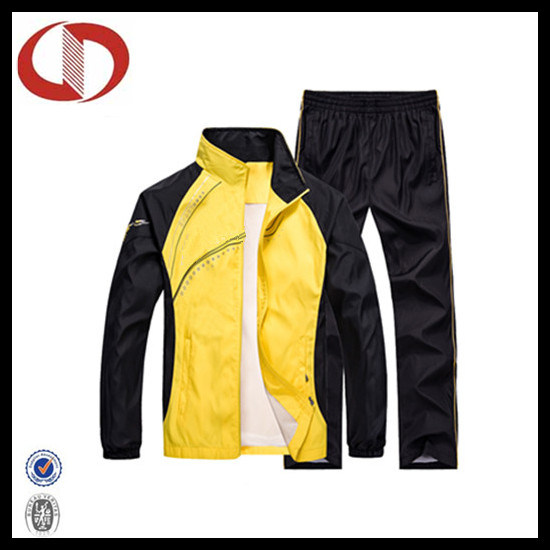 China Cheap Price Athletic Wear Jogging Tracksuit for Men pictures & photos