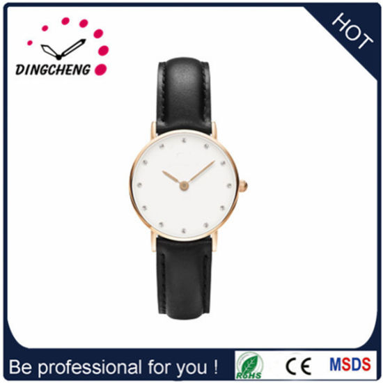2015 Sapphire Dial Fashion Round Watch with Leather Band (DC-1419) pictures & photos