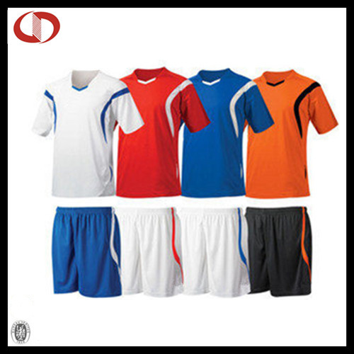 2016 Cheap Custom Soccer Jersey Uniform Sets New Design for Men pictures & photos