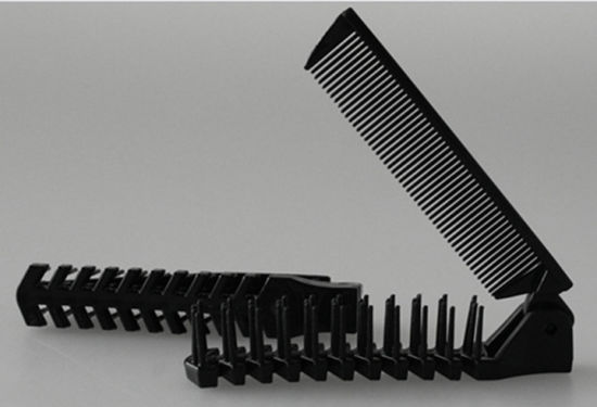 Black Plastic Folded Hotel Comb pictures & photos