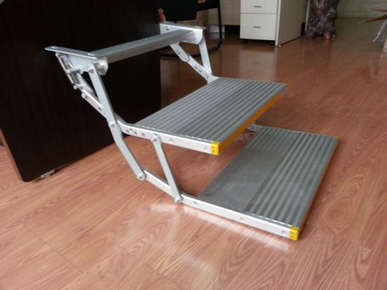 Manual Telescopic Ladder with 2 Steps (ES-F-D-600-M) pictures & photos