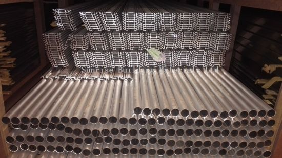 Aluminum Tubes of Different Sizes and Surface Treatment pictures & photos
