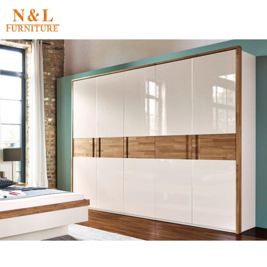 Modern Design Modular Size Home Furniture Bedroom Set with Open Doors pictures & photos