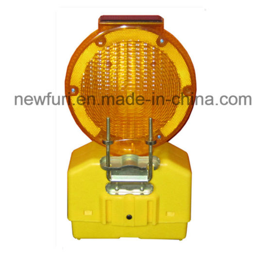Solar LED Blinker Barricade Light Hazard Warning Light pictures & photos