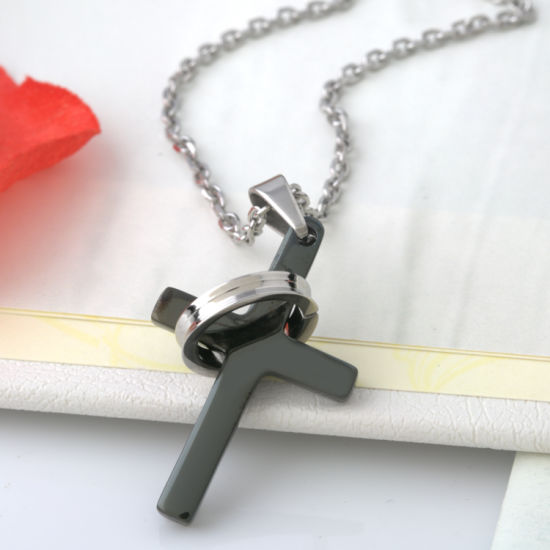 Fashion Jewelry Stainless Steel Necklaces Prayer Cross Men Pendant Necklace pictures & photos