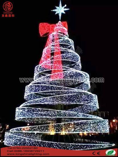 China Factory Price Outdoor Xmas Tree Light Christmas Decorative
