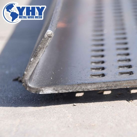 Square Hole Perforated Metal Mesh with Folded Edges