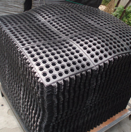 Popular Used in Farm Composite Rubber Mat pictures & photos