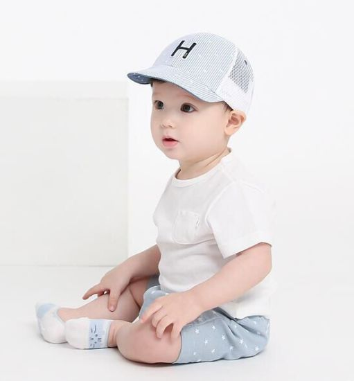 2017 Wholesale Embroidery Cotton Fasihon Baby Hat pictures & photos
