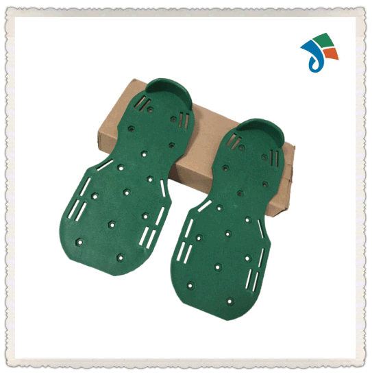 Lawn Aerator Spike Shoes for Effectively Aerating Lawn pictures & photos
