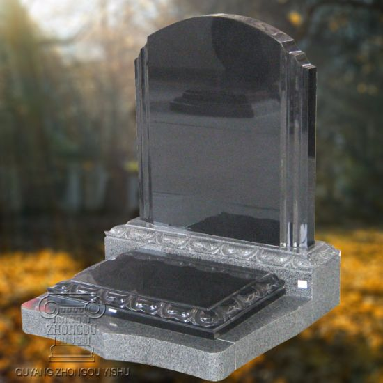 Black Granite Tombstone and Monument pictures & photos