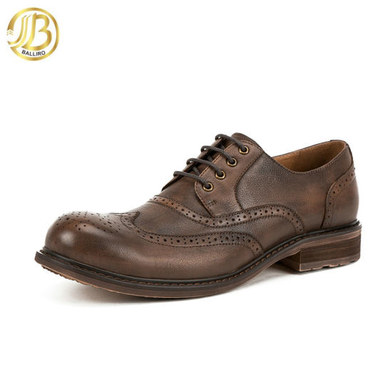 2018 New Design Handmade Retro Style Shoes Lace up Man Leather Shoe Brogune Shoes for Men pictures & photos