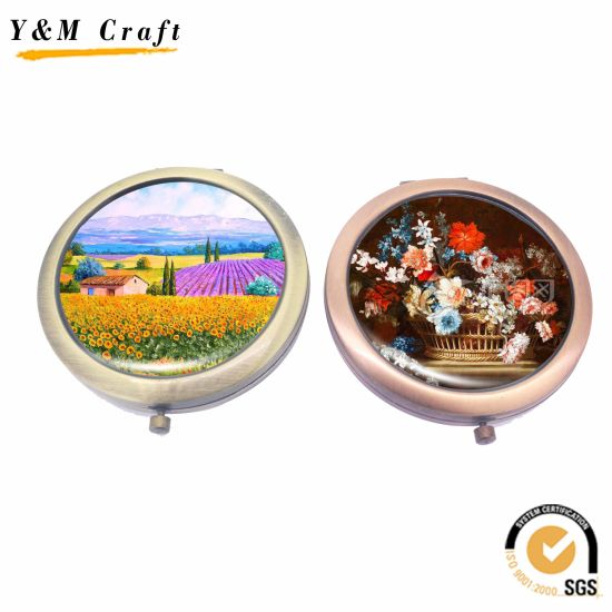Cheap Promotional Gifts Pocket/Makeup/Cosmetic Mirror with Epoxy Sticker/Printing Logo pictures & photos