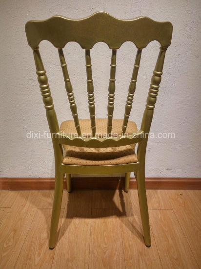 Factory Price Gold Metal Wedding Chiavari Chair pictures & photos