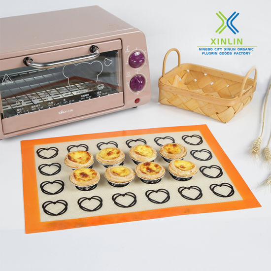 Silicone Mat Heat Nonstick Non Slip Silicone Baking Mat for Oven pictures & photos