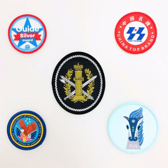 Hot Sell Woven Patch with Metallic Shiny Yarn High Density for Clothing Label Accessories