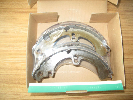 High Quality Car Brake Shoe 04495 60070 for Toyota pictures & photos