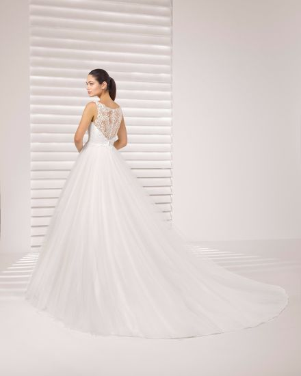 China Boat Neck Lace Top Tulle Skirt Bridal Gown Wedding Dress ...