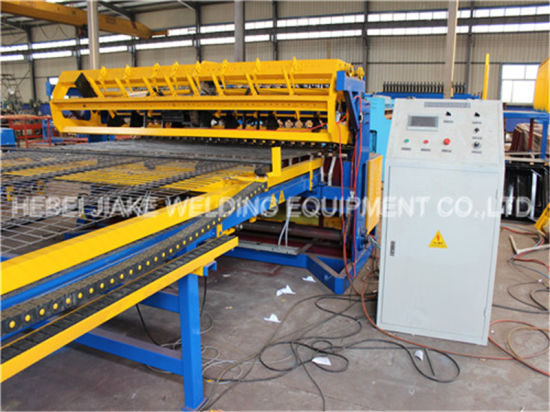 Manufacturer Welded Wire Mesh Roll Machine pictures & photos