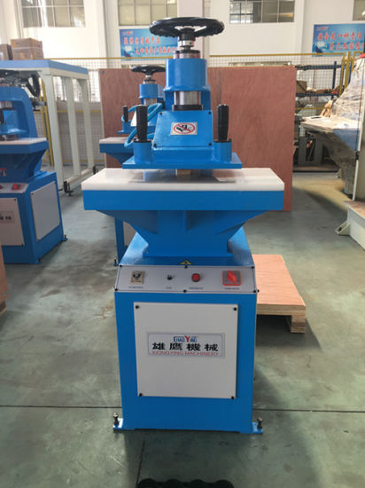 10t Hydraulic Swing Arm Cutting Machine for Cellphone Cover pictures & photos