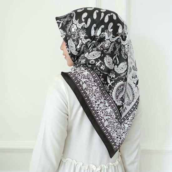 100% Handmade Screen Print Manufacturing 90 90 Square Twill Ladies Silk Scarves