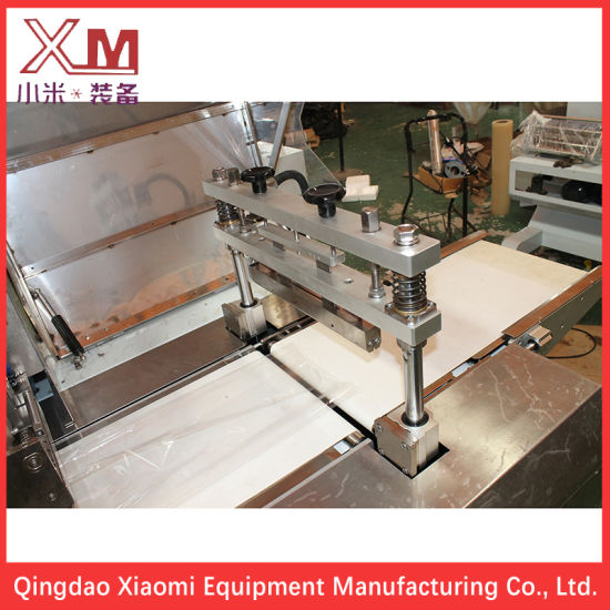 Automatic Horizontal Flow Food Packing Machine/ Packaging Machine/ Wrapping Machine for Bakery Food/ Cracker/ Bread/ Biscuits/ Chocolate Bar/ Cake