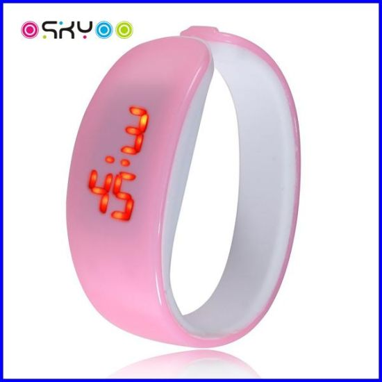 2016 New Arrival The Dolphins Silicone LED Digital Electronic Watch