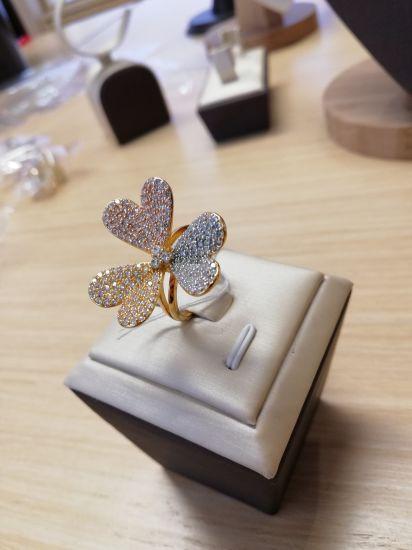 China Fashion Dubai Gold Plated Jewelry Ring Wholesale Flower Shape