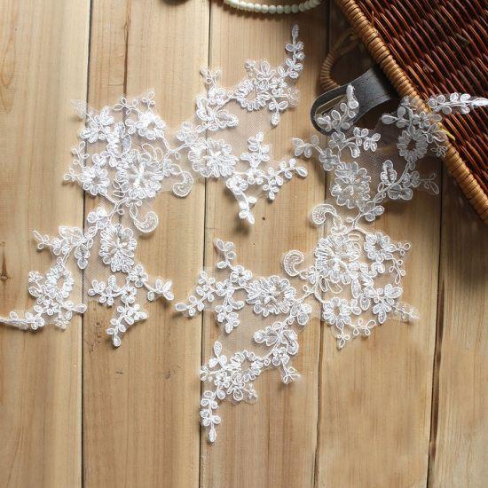 Wholesale Flower Shape Embroidery Lace Applique for Wedding Dress