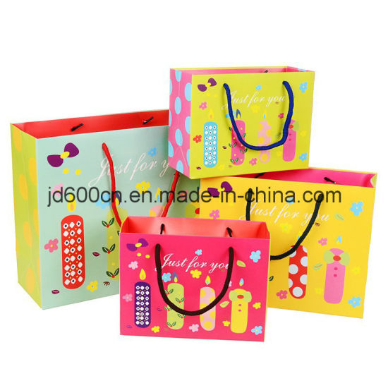 Paper Bag / Shopping Bag / Gift Box & Bag / Carrier Paper Bag with Handle in Super Quality