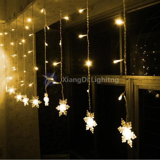 China Christmas Decoration Indoor LED Icicle Curtain Light - China ...