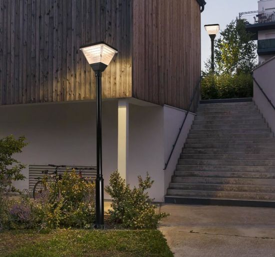 Auto Work Outdoor Waterproof 20W Solar Powered Pathway Solar Lamp
