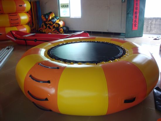 2019 New Cheap Floating Inflatable Water Trampoline pictures & photos
