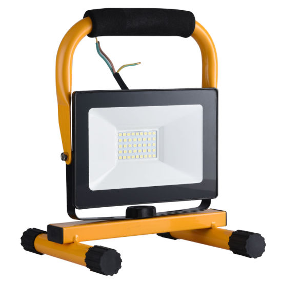 Chinese Supplier IP65 Outdoor Waterproof Handle LED Floodlight LED for Street Lighting PIR/Photocell Sensor 10W/20W/30W/40W/50W/100W High Power SMD LED