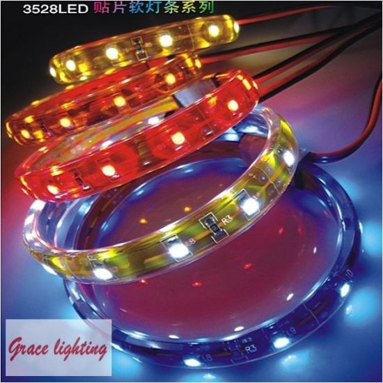 High Brightness 120LEDs 9.6W/M Flexible LED Strips (G-SMD3528-120-12V) pictures & photos
