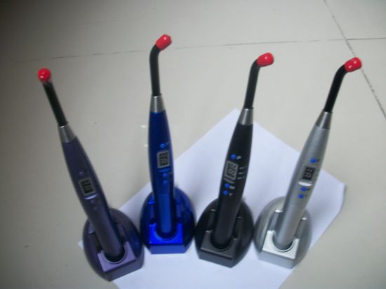 Hot Sale Cheapest Colorful Dental LED Curing Light pictures & photos