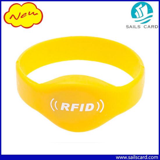 13.56MHz Waterproof Eco Friendly RFID Silicone Wristband